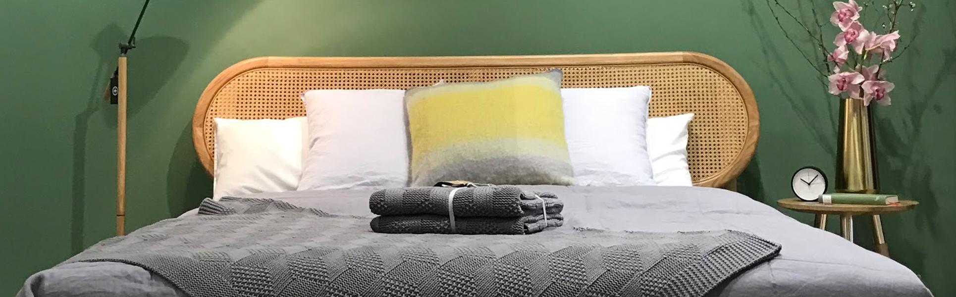 m belgesch ft mit showroom in berlin made com. Black Bedroom Furniture Sets. Home Design Ideas